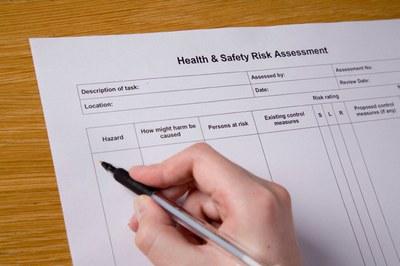 Dispensa - La valutazione dei rischi dal 626 al decreto 81 - Una guida per orientarsi... - Giugno 2013